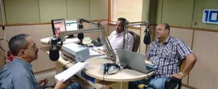 Foto: Prefeito no estúdio da 106 FM de Guanambi